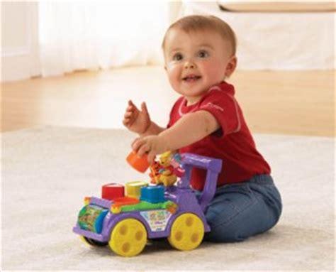 imagenes de niños jugando con sus juguetes cada dia se entretiene mas jugando diario de una madre