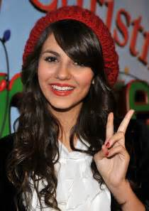 Celebrity hairstyles victoria justice sparkling layered hairstyles