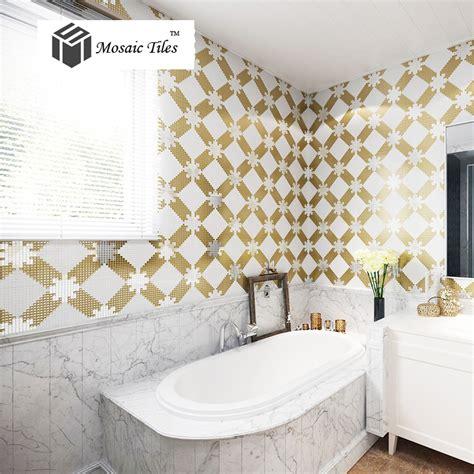 backsplash fliesen ideen für bad dekor badezimmer gold
