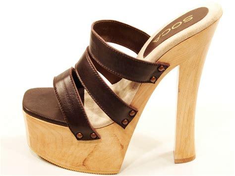 soca brown high heel wood platform 3 band slip on