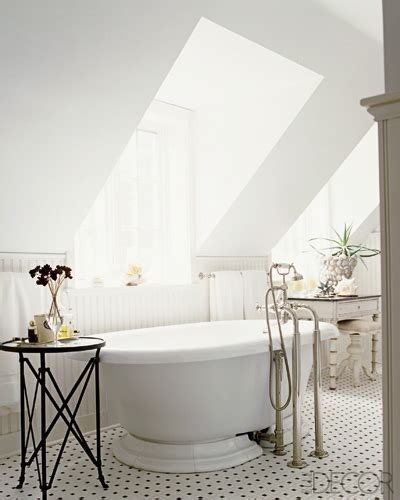 Shabby Chic Bathroom   Traditional   bathroom   Elle Decor