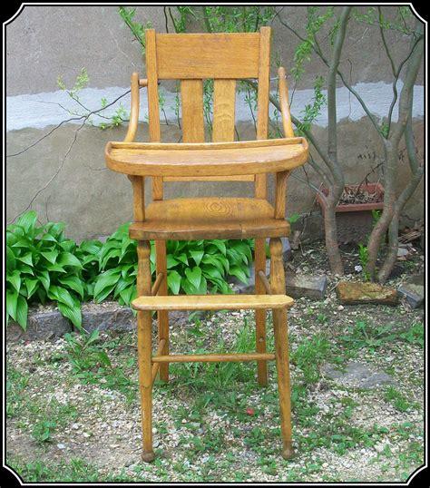 High Chair Cocolatte Cl 580 antique high chair