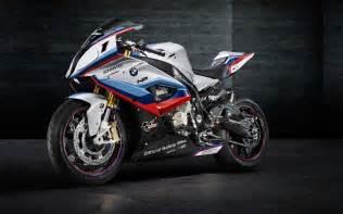 2015 bmw m4 motogp safety car bike 1 2560x1600