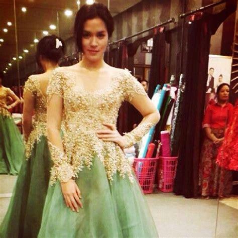 Foto Baju Kebaya Ivan Gunawan model kebaya ivan gunawan