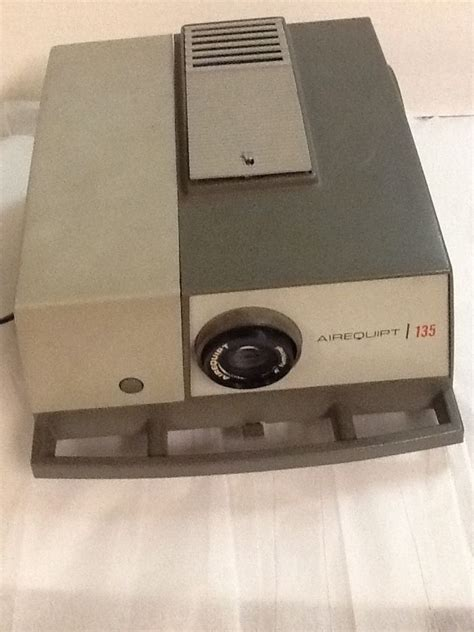 bench dog rt100 vintage airequipt automatic 135 slide projector 2 trays