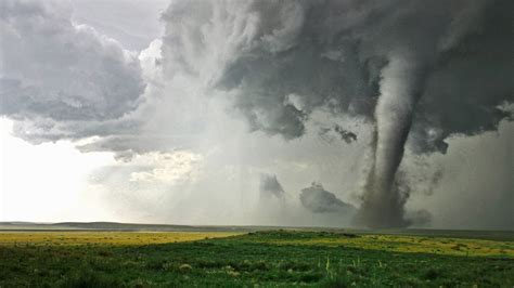 images of tornadoes why the inside of a tornado gets cold leaves you