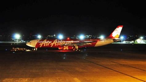 airasia manado airasia indonesia perkenalkan e boarding pass tribunnews com