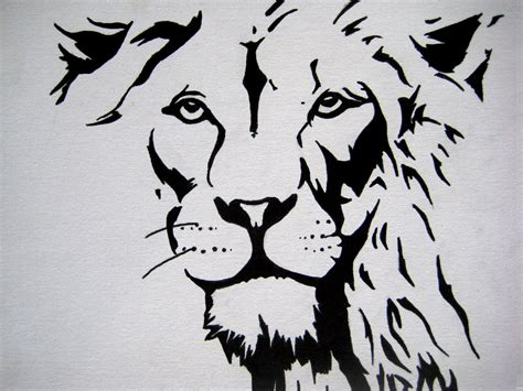 stencil of lion cake ideas and designs