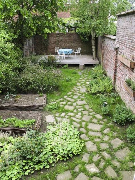 Small Narrow Garden Ideas Best 25 Narrow Garden Ideas On