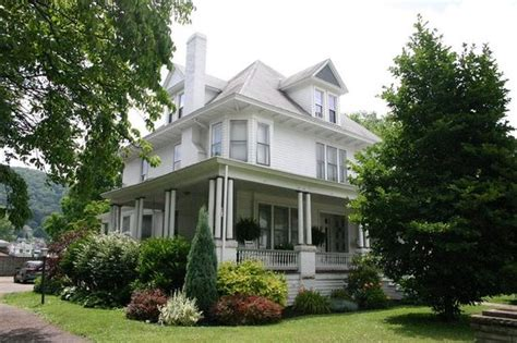 magnolia house bed and breakfast magnolia house bed breakfast new martinsville wv