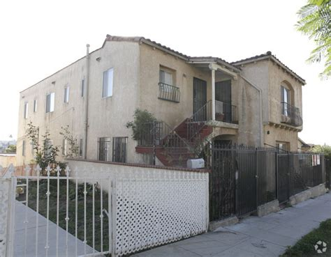1135 n hoover st 90029 4 bed 2 bath home for rent 212 214 3 4 n hoover st los angeles ca 90026 rentals