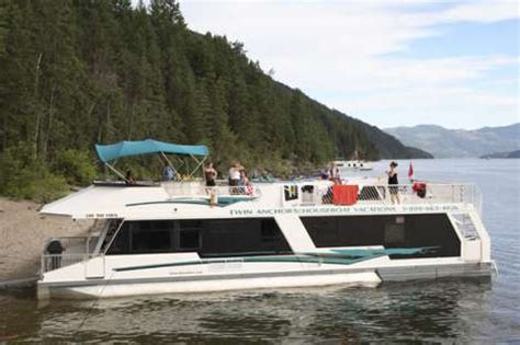 shuswap house boat rodney s reel outdoors houseboat fishing charter