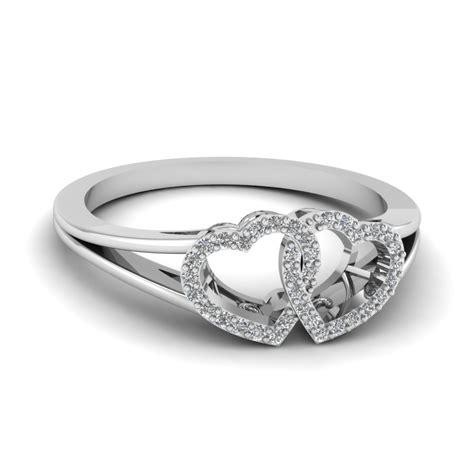 interlinked ring fascinating diamonds