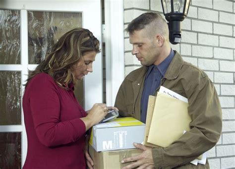 wann werden pakete geliefert wann m 252 ssen weihnachts pakete abgeschickt werden b z