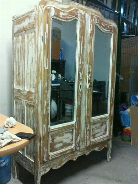 ropero antiguo en decapado color blanco  espejos