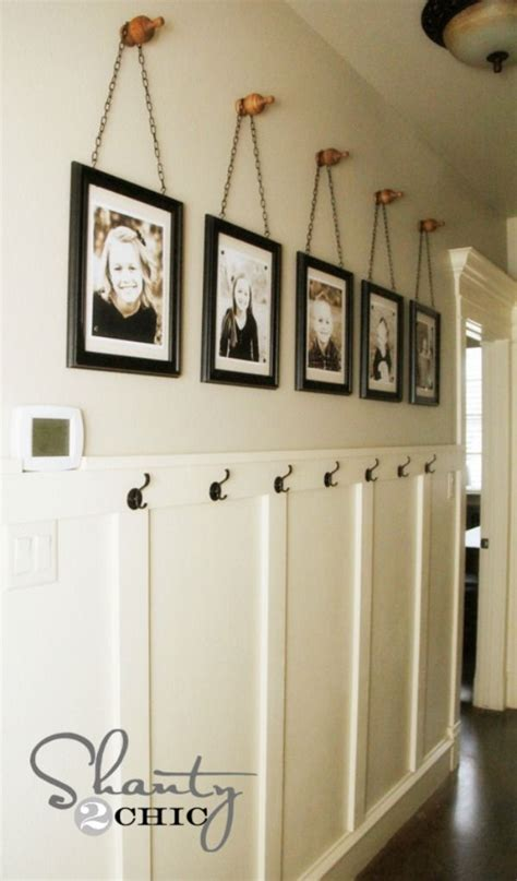 ideas for displaying pictures on walls best 25 picture frame display ideas on pinterest