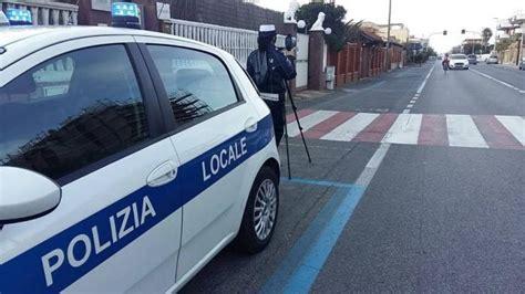 sede inps pomezia torvaianica controlli con il telelaser della polizia