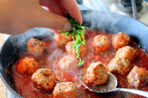 turkey meatballs with quick and spicy tomato sauce and turkey meatballs in spicy tomato basil sauce with burrata