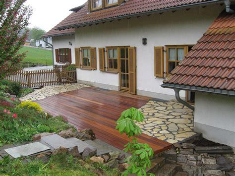 terasse aus holz terrasse holz mit stein kombiniert die neueste