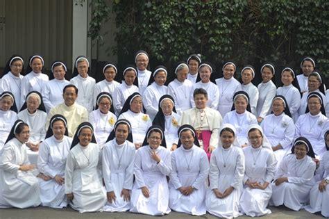 Dasi Salib menjadi semakin dominikan dengan mendalami regula santo