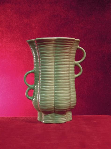 Redwing Vase by Wing Pottery Vase 1111 Collectbile