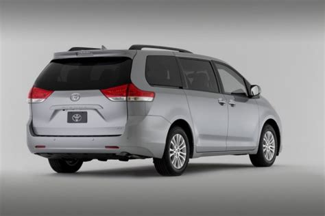 Toyota Vs Honda Odyssey 2014 Toyota Vs 2014 Honda Odyssey