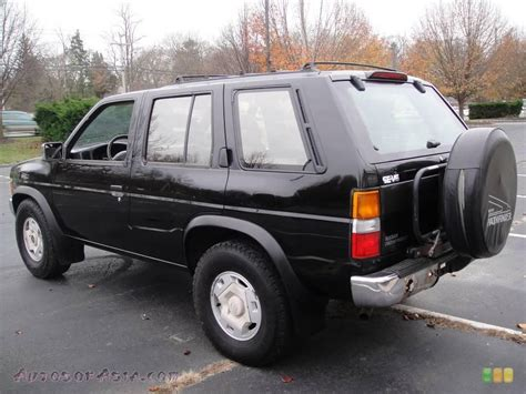 nissan pathfinder black the 1995 nissan pathfinder the last real suv
