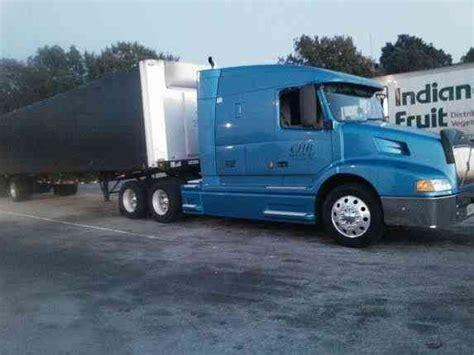 2000 volvo truck volvo vnl 2000 sleeper semi trucks