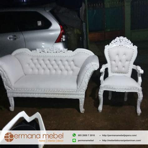 Kursi Sofa Pelaminan kursi sofa pelaminan duco putih properti pelaminan jepara