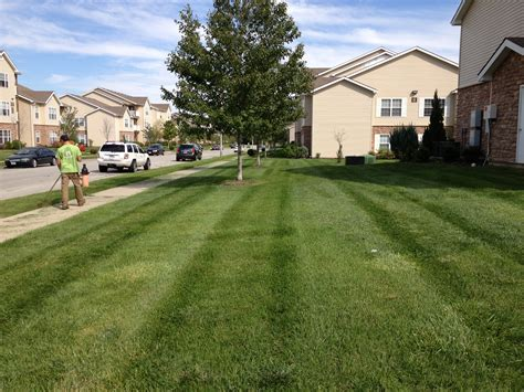 kc garden gate commercial lawn care raymore 816 744 8899