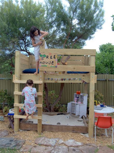 I M Picturing An Old Bunk Bed Turned Tree House Outdoor Bunk Bed Tree House