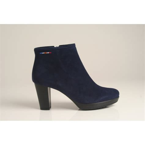 vitti vitti ankle boot in navy blue suede
