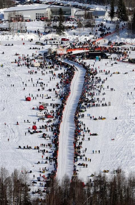 race in alaska pics iditarod sled race in alaska indiatimes