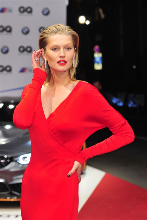 2015 man of the year gq awards toni garrn gq men of the year award 2015 in berlin