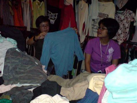 Kaos Soekarno No 2 mencoba baju di paberik badjoe wisata bandung