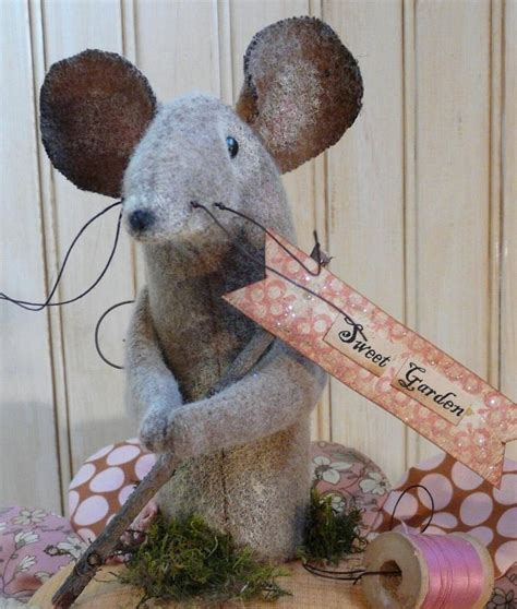 pattern for a fabric mouse lil posie mouse pin keep pdf pattern big pincushion
