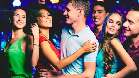 Teh Celup Dandang floor confidence how to at a club for
