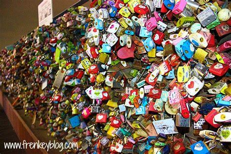 Gembok Di Namsan Tower seoul deoksugung palace bukchon hanok seoul tower