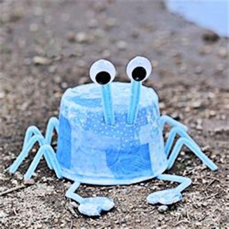 crab rubber st plastic tub blue crab family crafts