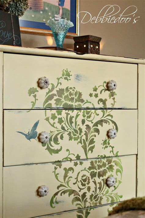 Furniture Stencils by How To Stencil On Furniture Debbiedoo S