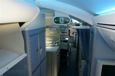 boeing 787 cabin boeing 787 dreamliner cabin features