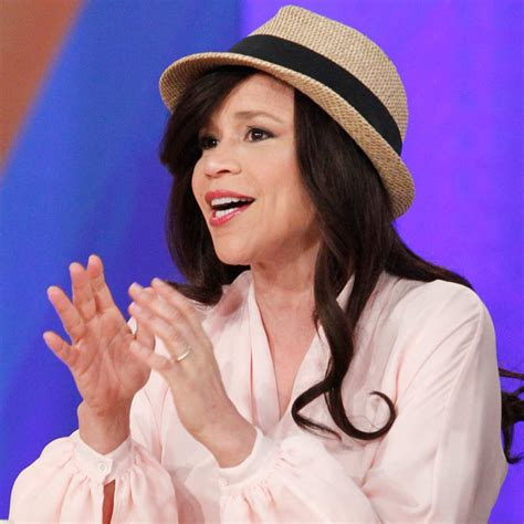 why does rosi on the view wear a wig rosie perez explains why leaving the view is bittersweet