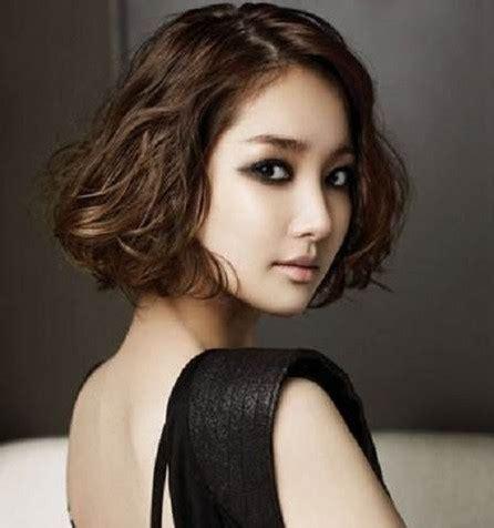 model potongan rambut ikal wanita model rambut
