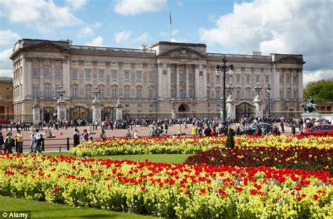 Garden Exhibition Buckingham Palace Looking To Hire Two New Gardeners For Buckingham