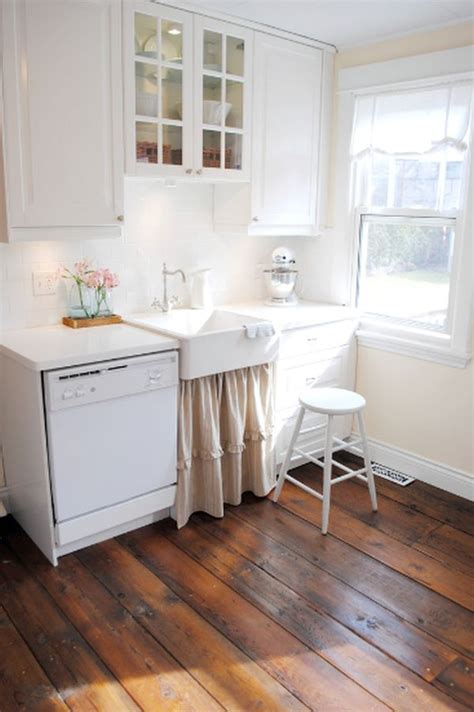 kitchen with wood floors 5 tips for a cottage kitchen interior