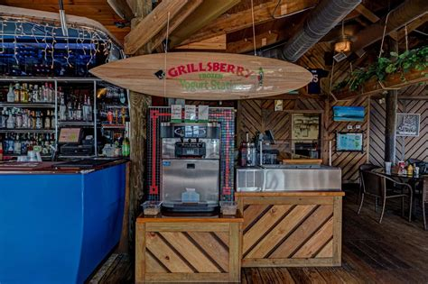 Grills Tiki Bar Grills Seafood Deck And Tiki Bar Port Canaveral Florida