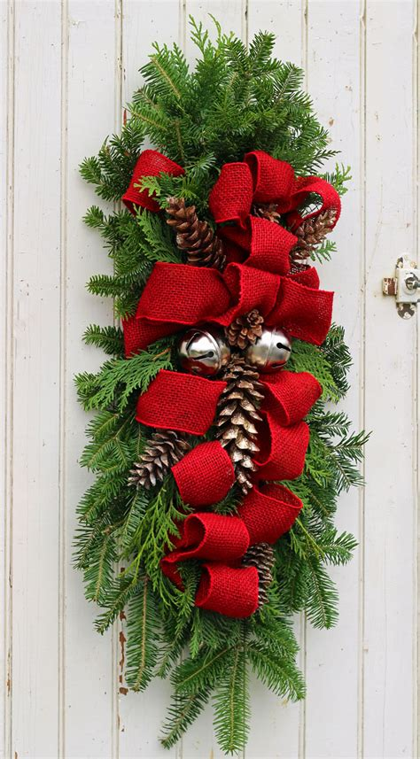 christmas swags for doors how to make a swag fynes designs fynes designs