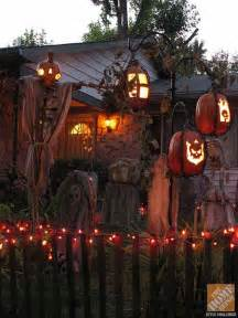Halloween Yard Decor Ideas 19 Easy And Spooky Diy Lights For Halloween Night