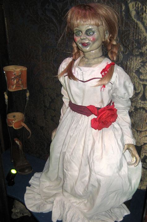 annabelle doll tour warner bros horror made here studio tour images collider