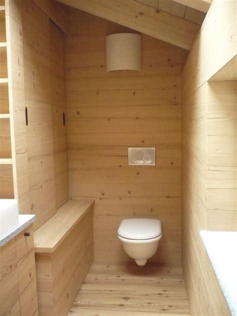 illuminazione sottotetto legno un loft in legno nel sottotetto mansarda it